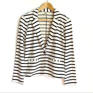 Tresics White Striped Single Button Blazer